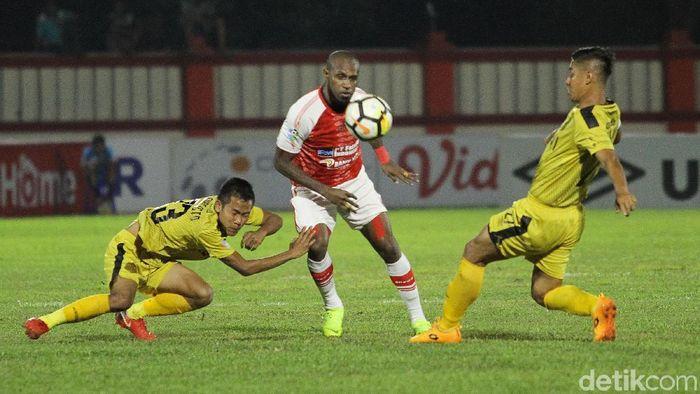 Bhayangkara FC menang 2-0 atas Persipura Jayapura di pekan ke-31 Liga 1 2018. (Foto: Rifkianto Nugroho/detikSport)