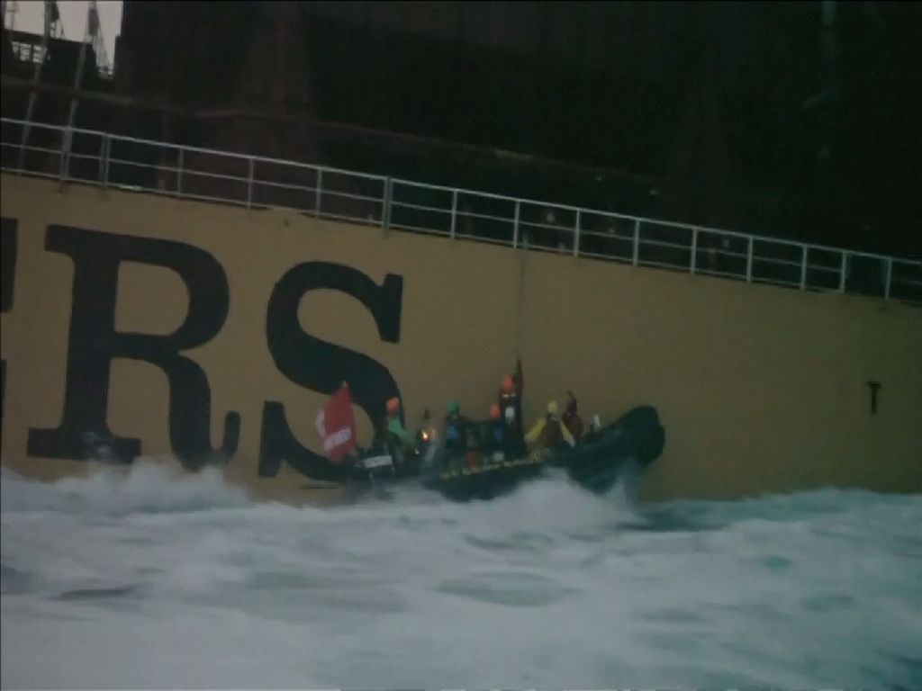 Kapal Pembawa Sawit Indonesia Dibajak Greenpeace