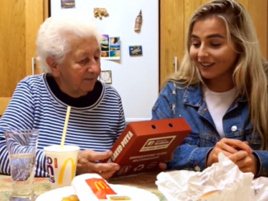 Ini Reaksi Lucu Nenek Berusia 83 Tahun Saat Cicip Fast Food Pertama Kali