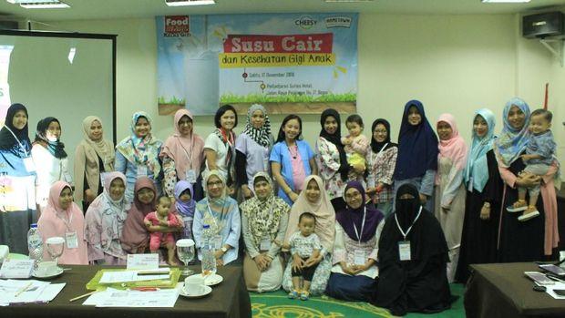 Seminar 'Susu Cair dan Kesehatan Gigi Anak'