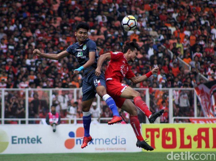 Rezaldi Hehanussa saat membela Persija Jakarta saat melawan Persela Lamongan. (Foto: Rifkianto Nugroho/detikcom)