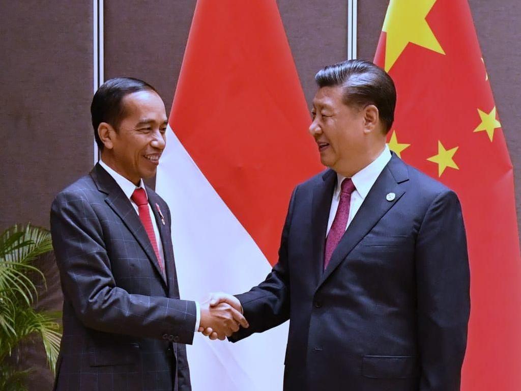 Jokowi Minta Xi Jinping Agar China Ikut Garap Kereta Cepat JKT-SBY