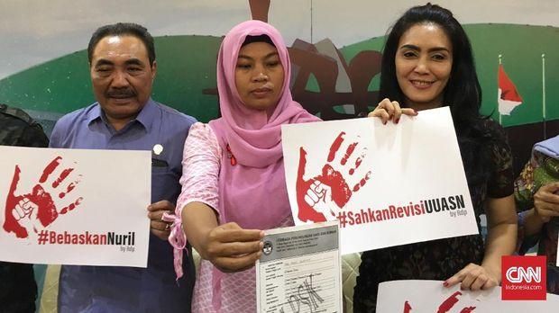 Baiq Nuril Ajukan PK dengan Pasal 'Kekhilafan Hakim'