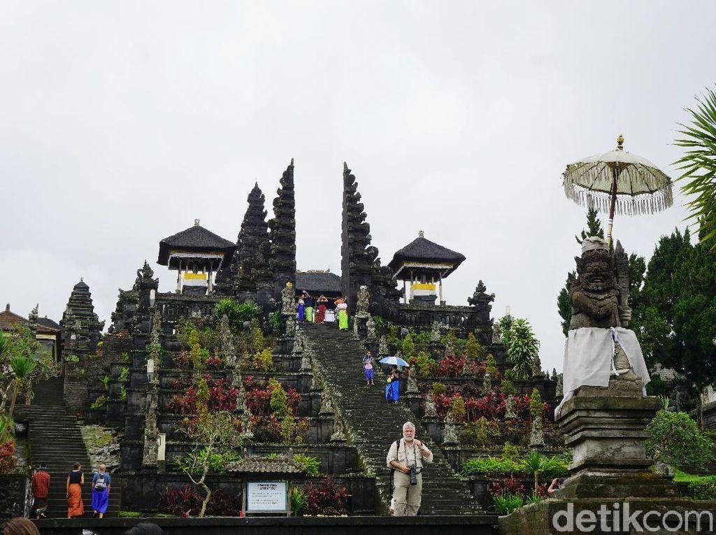 Rekomendasi Tempat Wisata di Bali: Pura Besakih