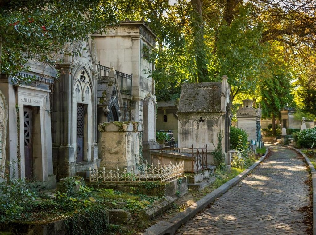 Foto: Pemakaman Seram tapi Paling Ramai Dikunjungi Turis