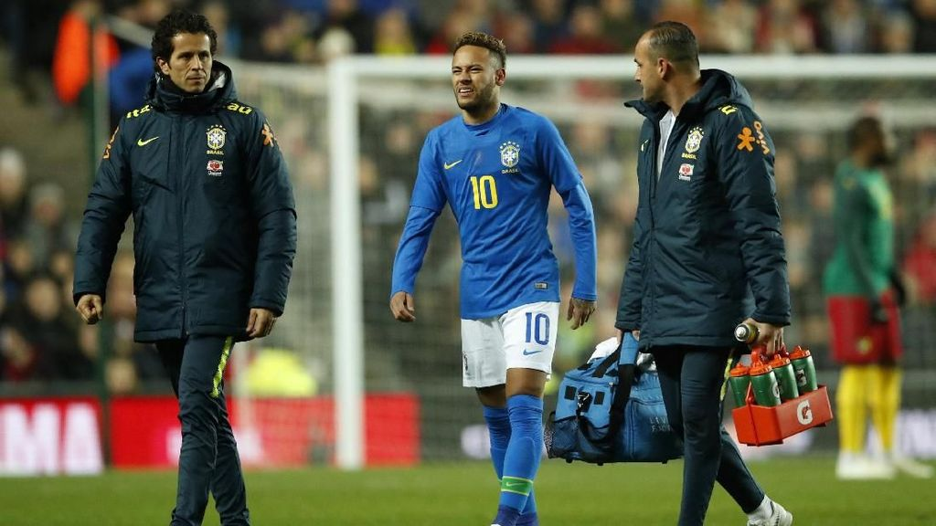 Dokter Timnas Brasil: Cedera Neymar Tak Serius