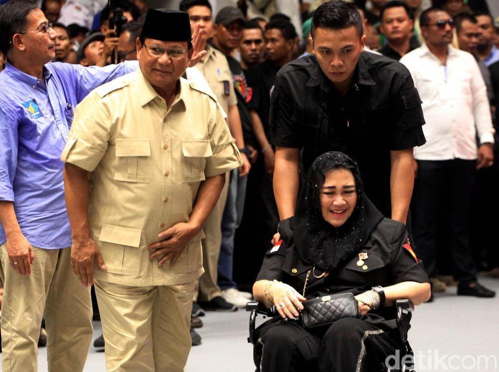 Video Rachmawati Nangis saat Sebut Bung Karno di Kampanye Prabowo