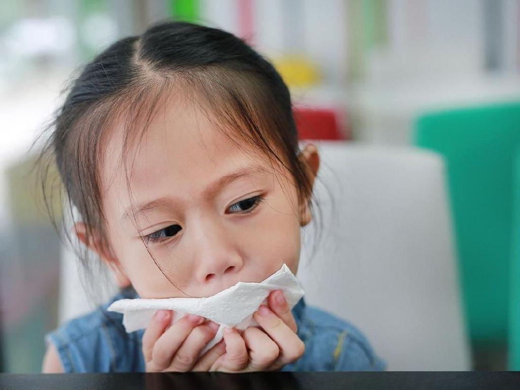 Tak Perlu Obat Warung, Ini Cara Sederhana Atasi Batuk-Pilek Anak