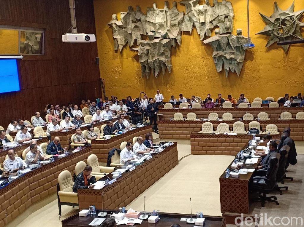 Komisi V DPR Raker dengan Menhub Bahas Jatuhnya Lion Air PK-LQP