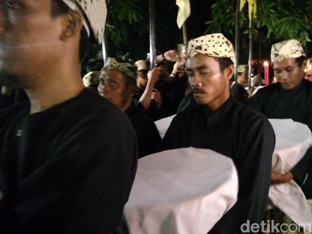 Foto: Ramainya Puncak Perayaan Maulid Nabi di Cirebon