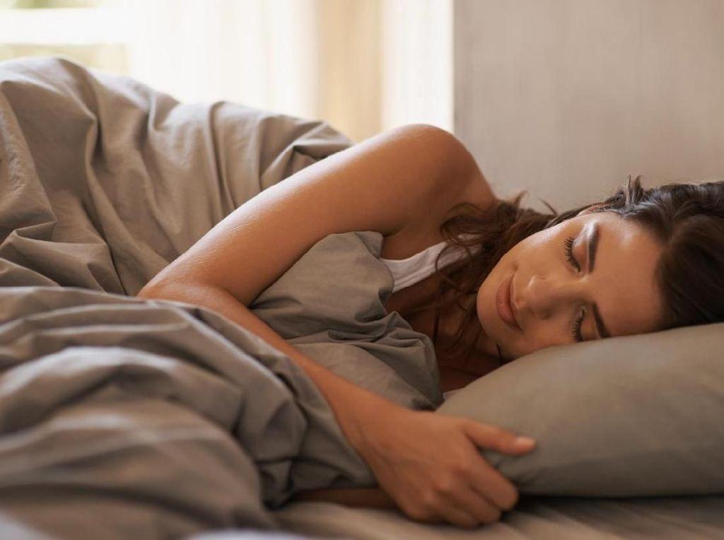 Penyebab Bibir Pecah-pecah Saat Bangun Tidur dan Cara Mengatasinya