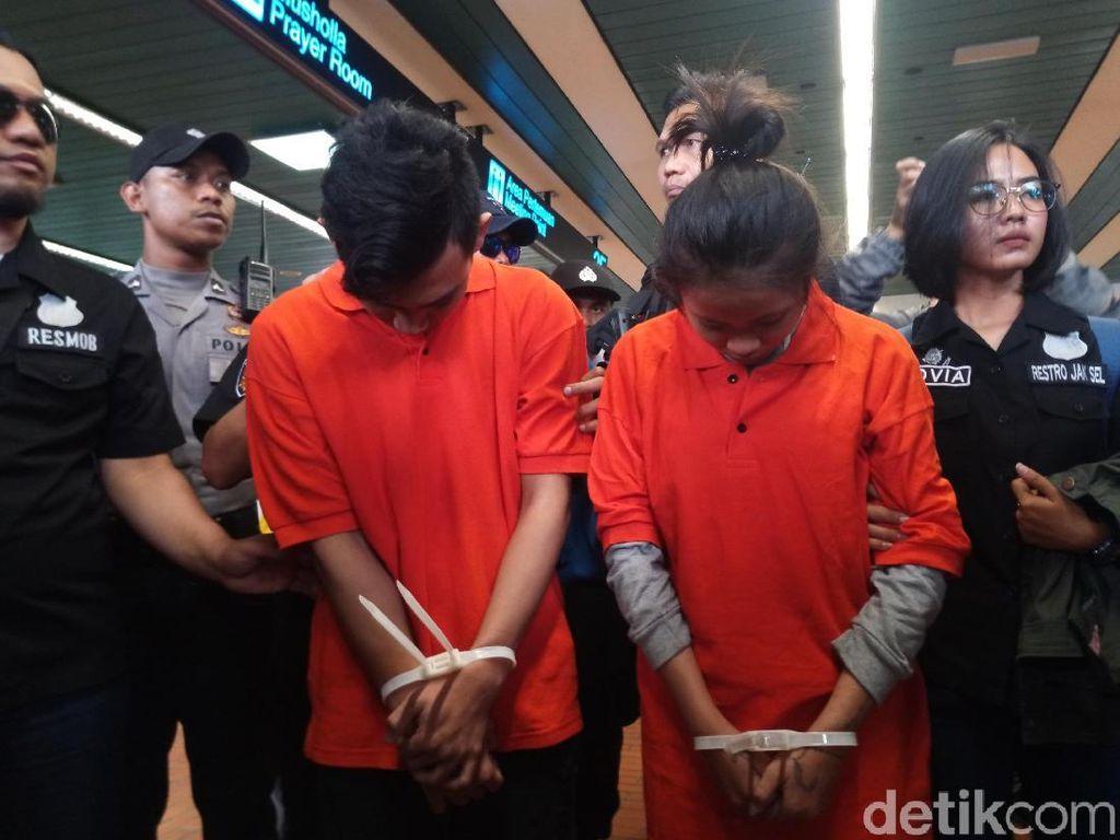 Berbaju Tahanan, Sejoli Pembunuh Ciktuti Iin Puspita Tiba di Jakarta