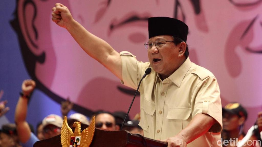 Begini Gaya Prabowo Semangati Relawan