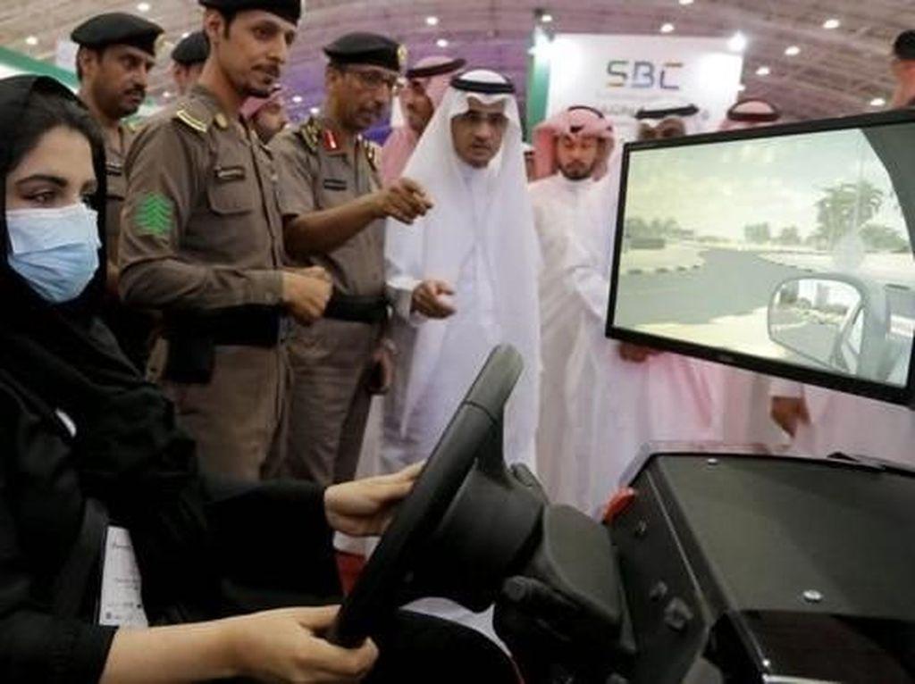 HRW dan Amnesty International: Arab Saudi Siksa Aktivis Perempuan