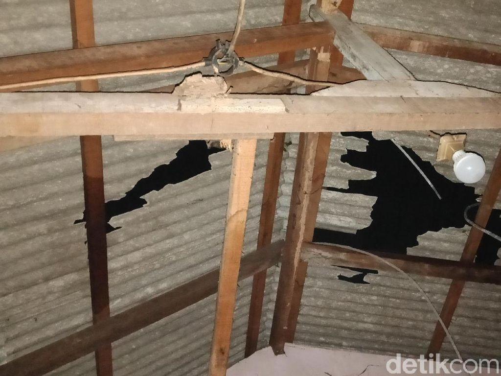Kabel Sutet Timpa Rumah di Tj Priok, 3 Warga Terluka