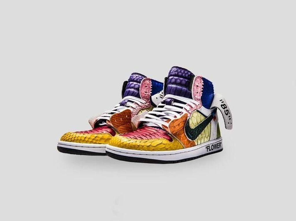 Pakai Kulit Ular, Sneakers Off-White x Air Jordan Dijual Rp 50 Juta
