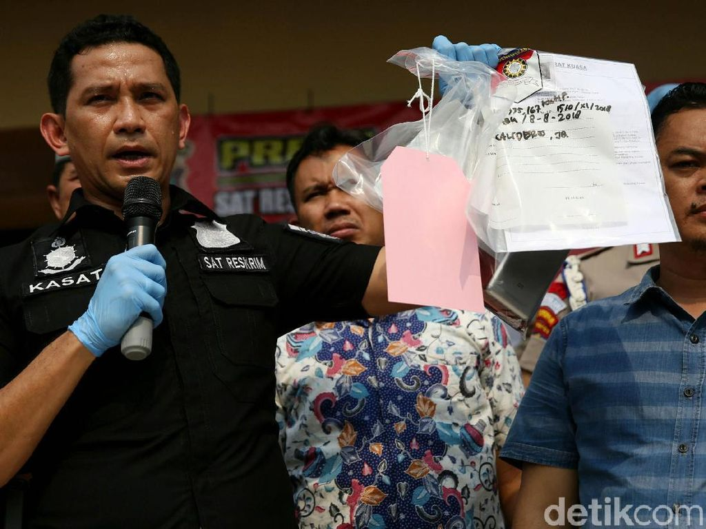Polisi Tunjukkan Bukti Kasus Hercules