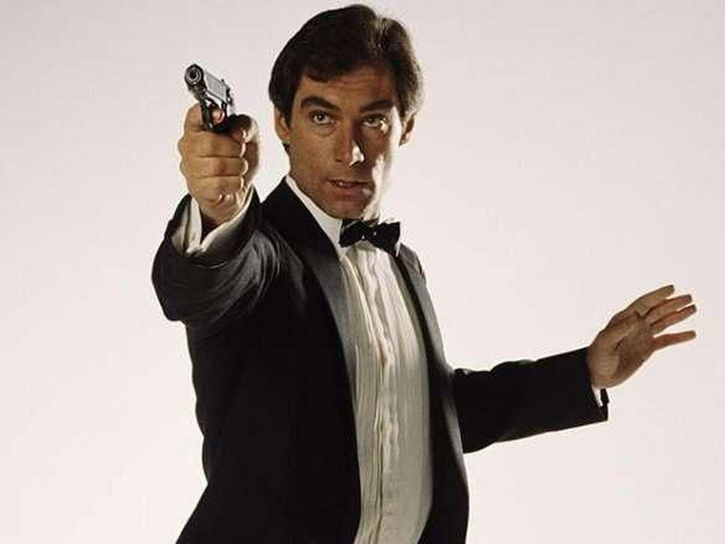 Topi yang Jadi Properti Film James Bond Terjual Rp 560 Juta
