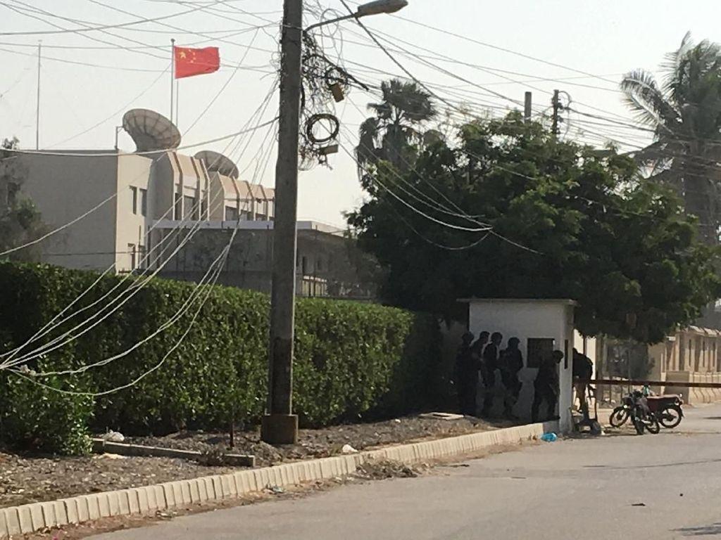 Video: Konsulat China di Pakistan Diserbu Pria Bersenjata