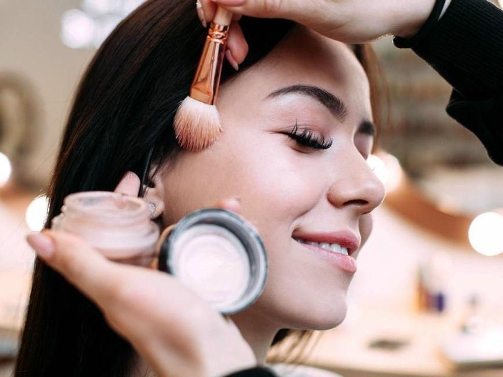 Foto Transformasi Satpam Wanita Usai Di-makeover Jadi Cantik, Bikin Takjub