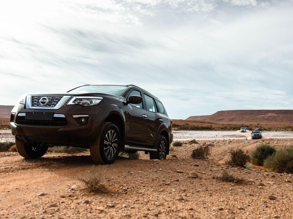 Nissan Terra Coba Dobrak Dominasi Fortuner Cs, Berhasil?