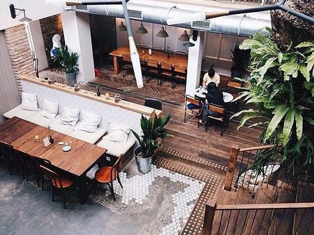 Sore Mendung Begini, Enaknya Minum Kopi di Kafe Instagrammable
