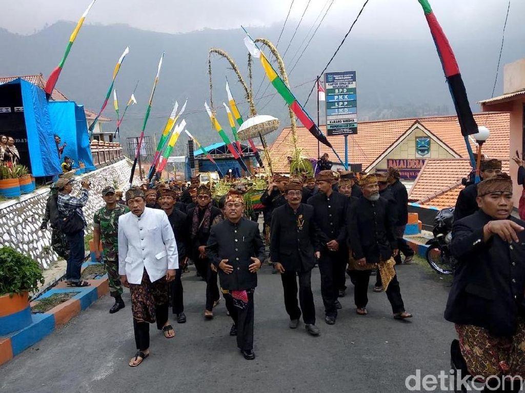 Video: Lebih Dekat dengan Ritual Unan-unan Suku Tengger