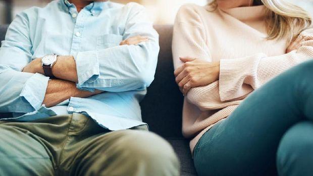 Suamiku Tukang Selingkuh, Cerai Seminggu Sudah Bawa Wanita Lain