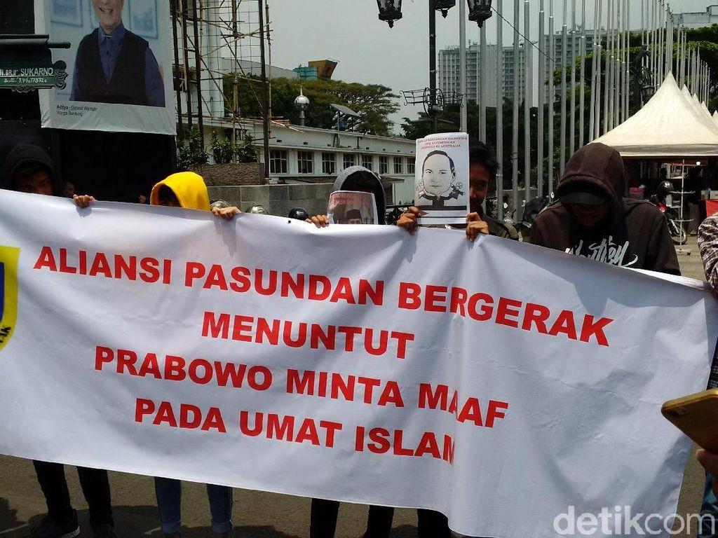 Mahasiswa Bandung Protes Prabowo Soal Pemindahan Kedubes Australia
