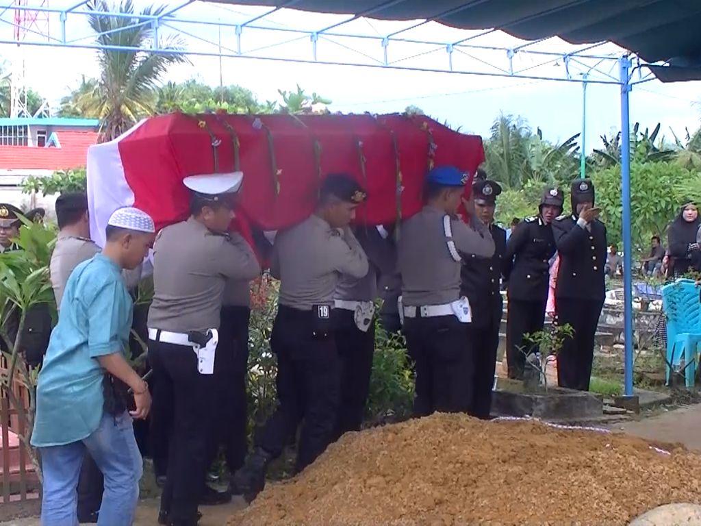 Isak Tangis Warnai Pemakaman Bripka Rangga Korban Lion Air