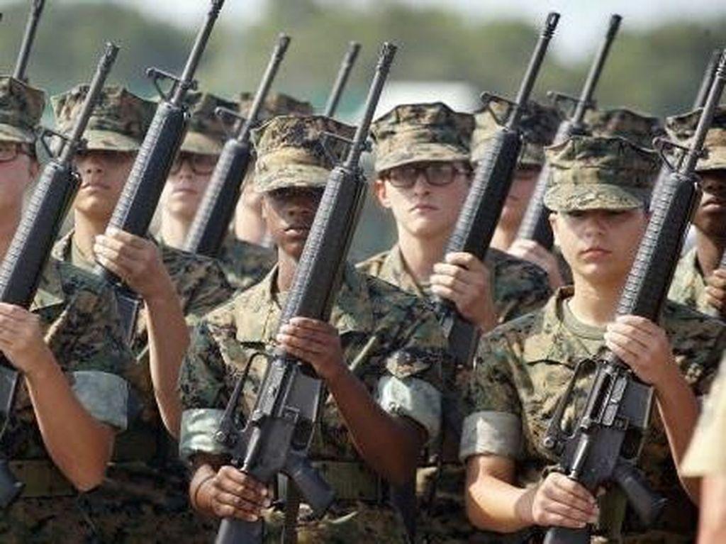 Trump Minta Mahkamah Agung Larang Transgender Jadi Tentara AS