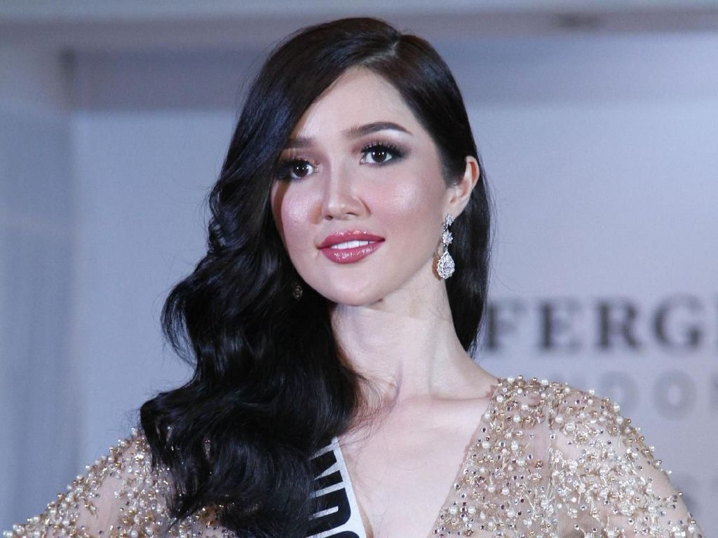 Foto : Cantiknya Sonia Fergina Berbalut 6 Gaun di Miss Universe 2018
