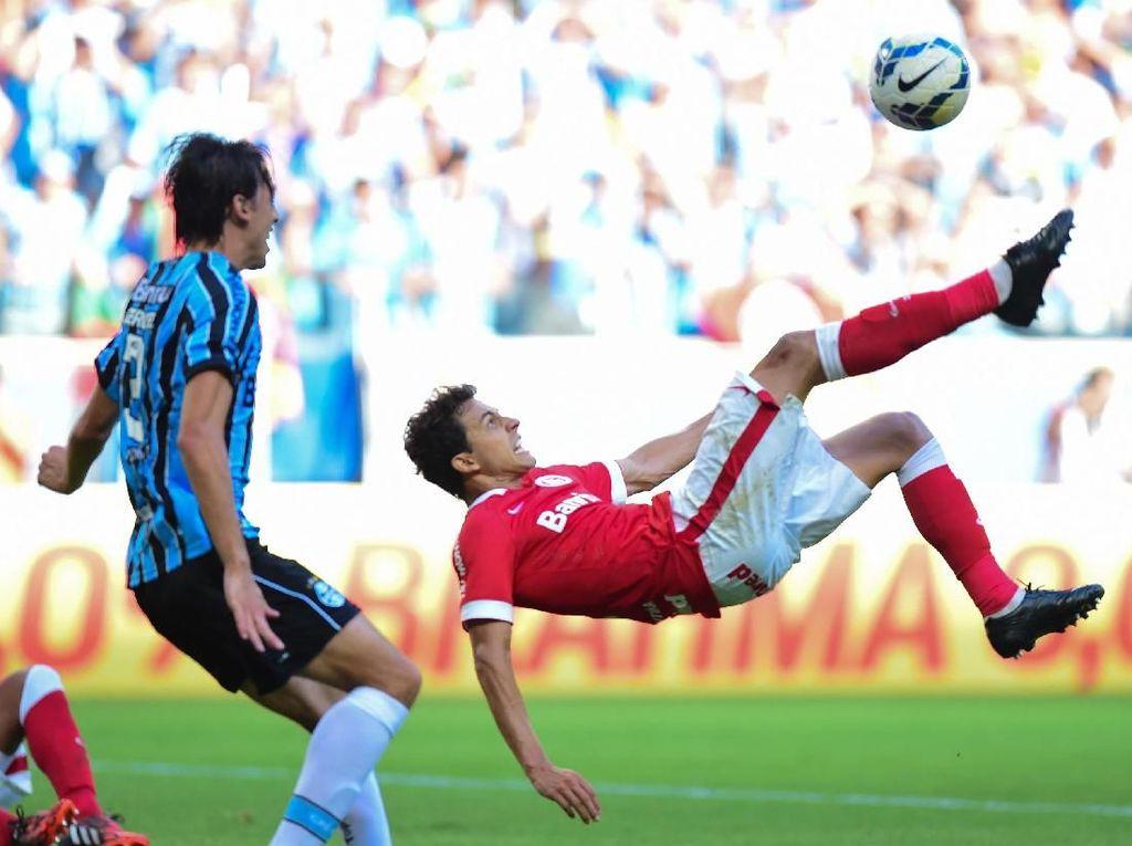 Video Ribut-ribut Derby Brasil, 8 Pemain Kartu Merah