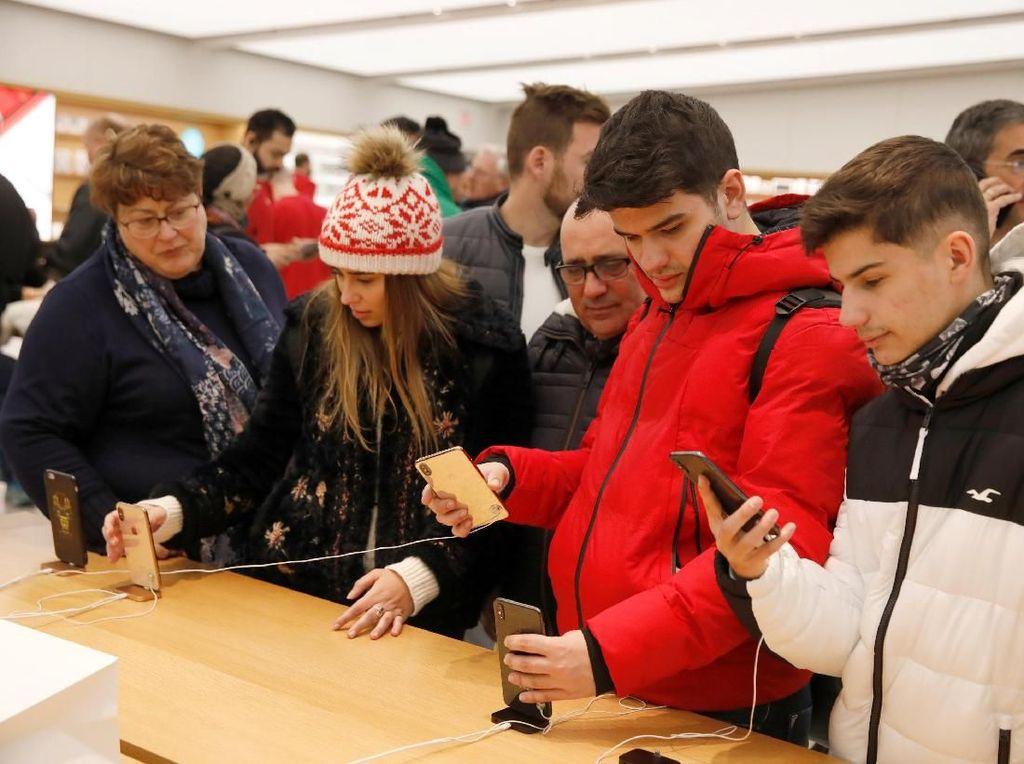 Pemandangan Black Friday di Apple Store New York
