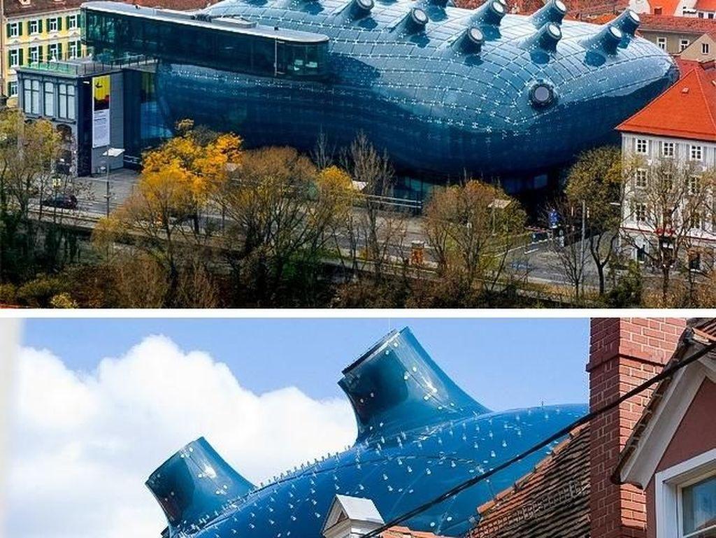 Serasa Dunia Lain, Arsitektur Deretan Gedung Ini Menakjubkan