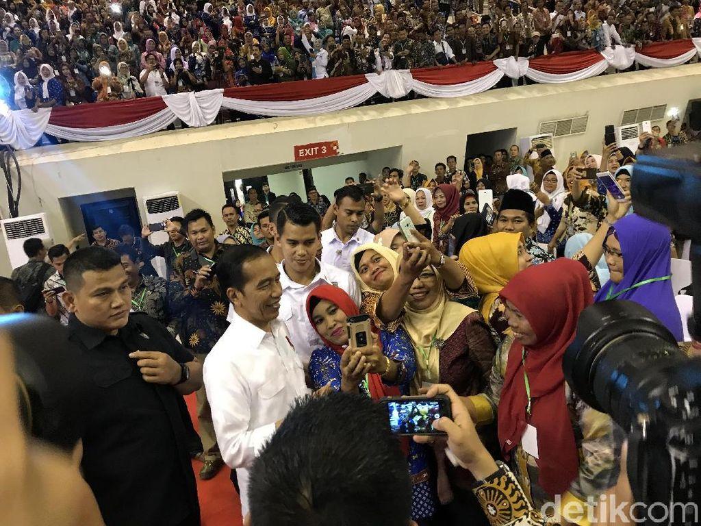 Jokowi Beberkan Tips Penurunan Angka Kemiskinan di Desa