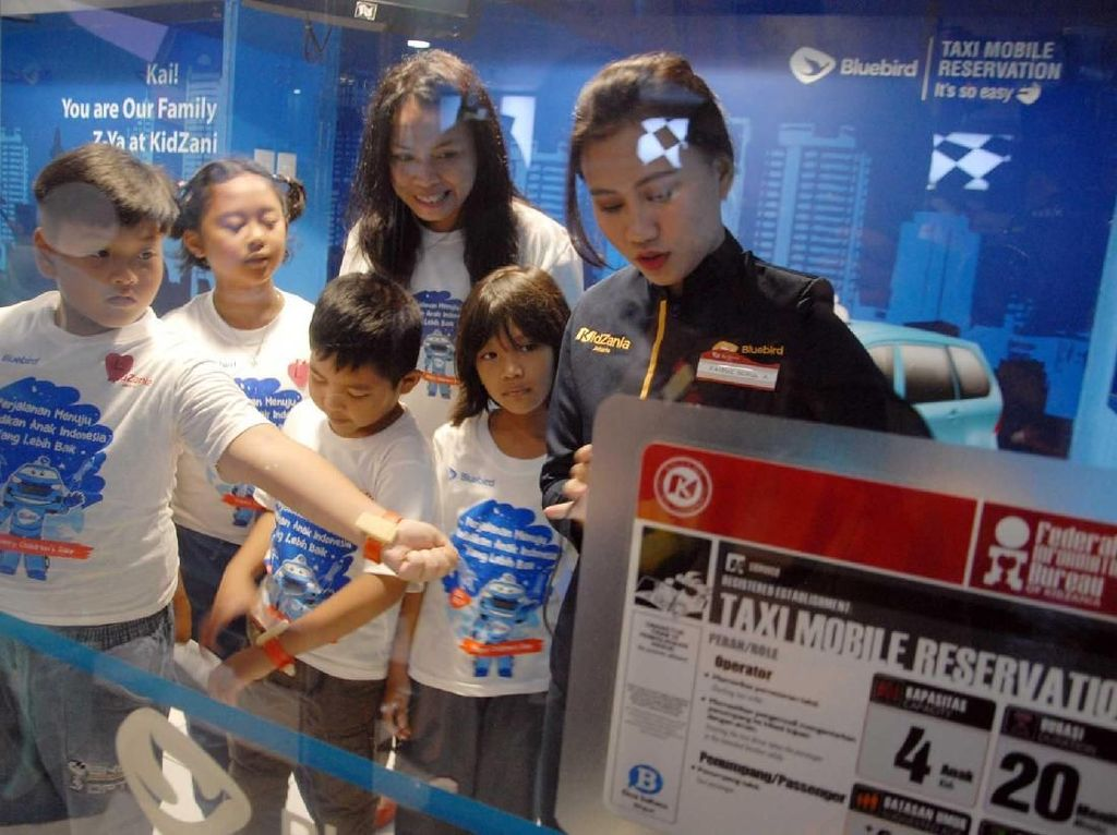Bluebird Dukung Kualitas Anak Indonesia