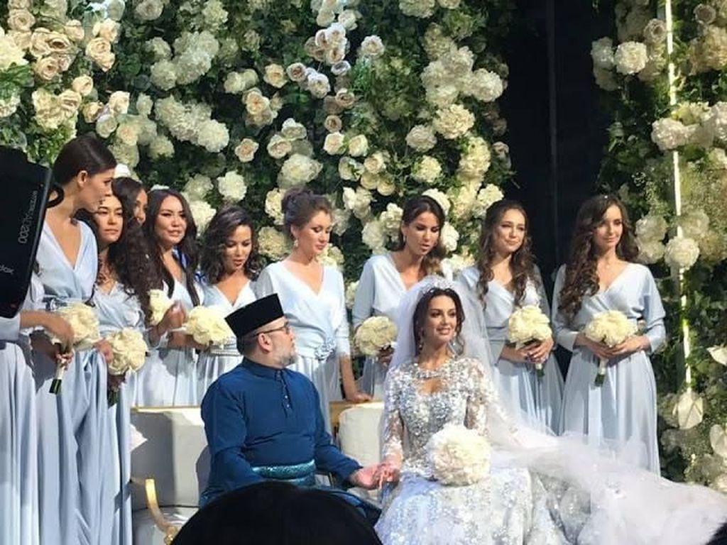 Viral Raja Malaysia Menikahi Ratu Kecantikan Rusia yang Lebih Muda 24 Tahun
