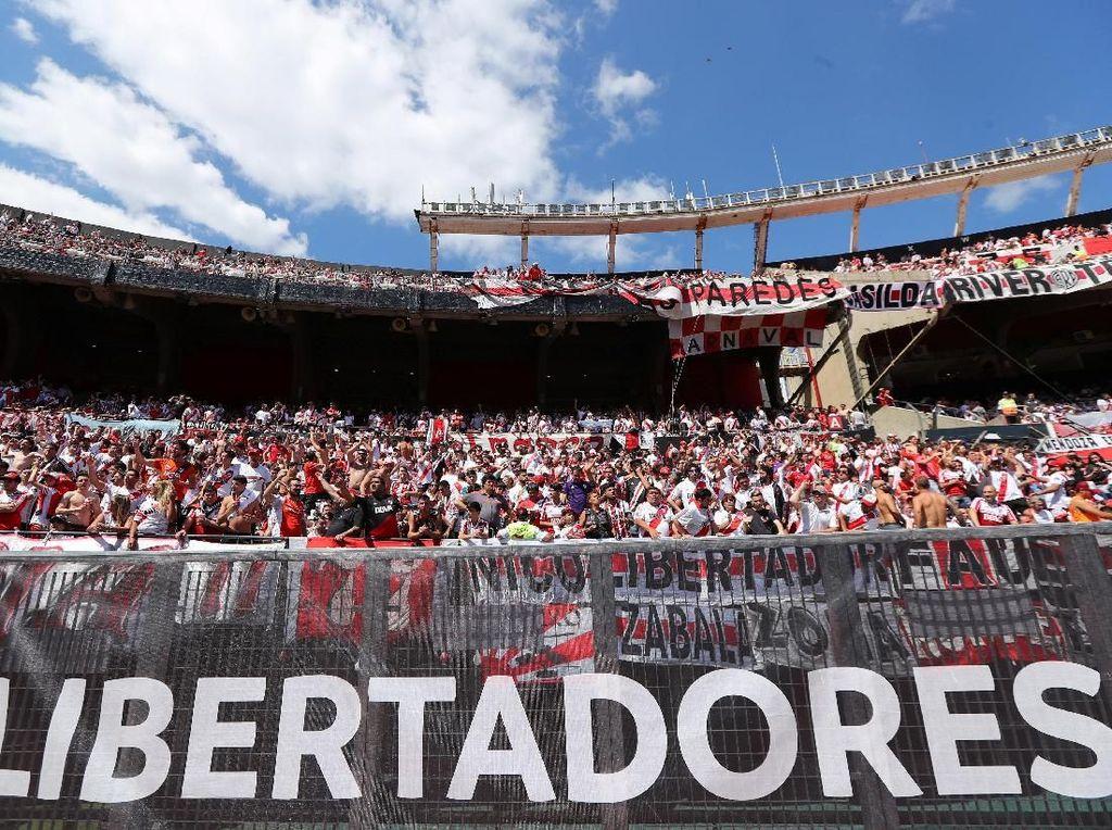 Bus Boca Juniors Diserang, Leg Kedua Copa Libertadores Ditunda