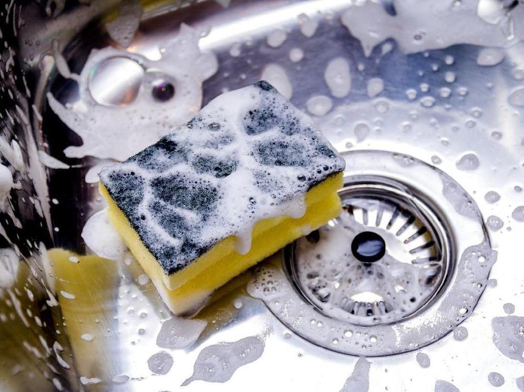 Detergen Bisa Rusak Bungkus Virus Corona, Ini Maksudnya