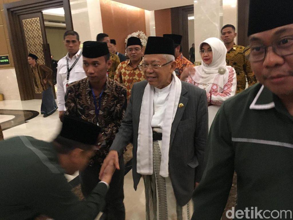 Pose Salam Jempol, Maruf Amin Hadiri Pengukuhan Pengurus PP ISNU