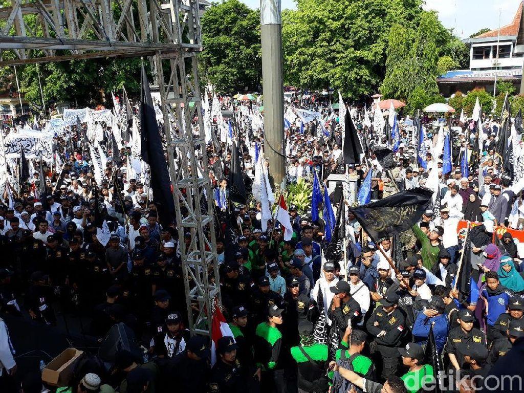 Peringati Maulid Nabi, Ribuan Orang Ikuti Parade Tauhid di Solo