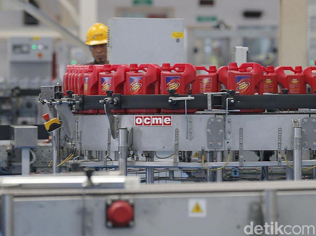 Mengintip Cara Bikin Pelumas Oli di Pabrik Pertamina