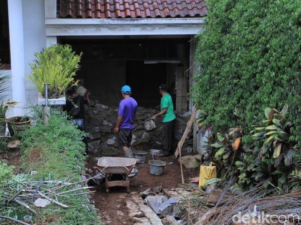 Pipa PDAM Tirtawening Pecah, 3 Rumah di Banjaran Rusak