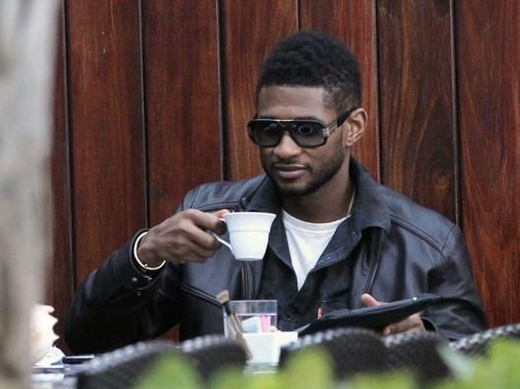 3 Tahun Nikah, Usher Gugat Cerai Istri