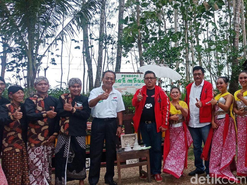 Datangi Desa Pemahat Borobudur, Hasto Ingat Visi Budaya Sukarno