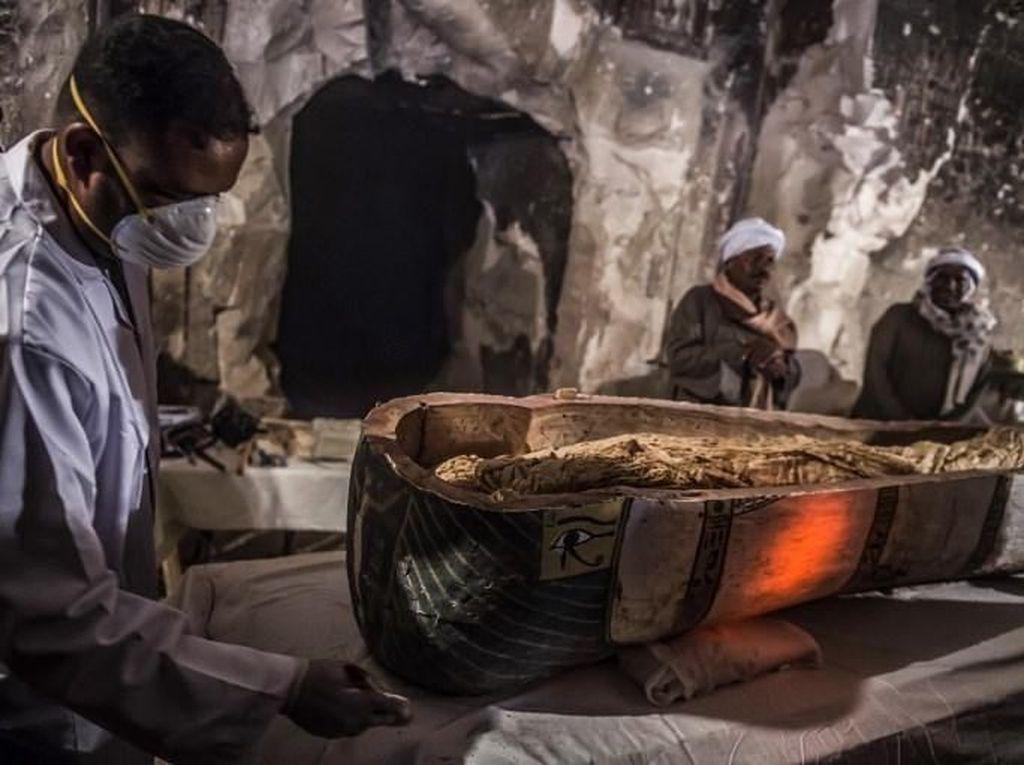 Mesir Ungkap Sarkofagus Berisi Mumi Wanita Berusia 3 Ribu Tahun