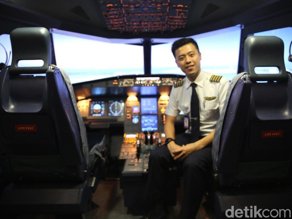 Pilot Capt Vincent Raditya Kembali Kantongi Izin Terbang Single Engine