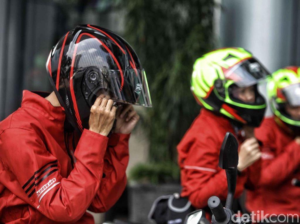 Pakai Helm Tidak Sesuai Ukuran Bahaya Lho!