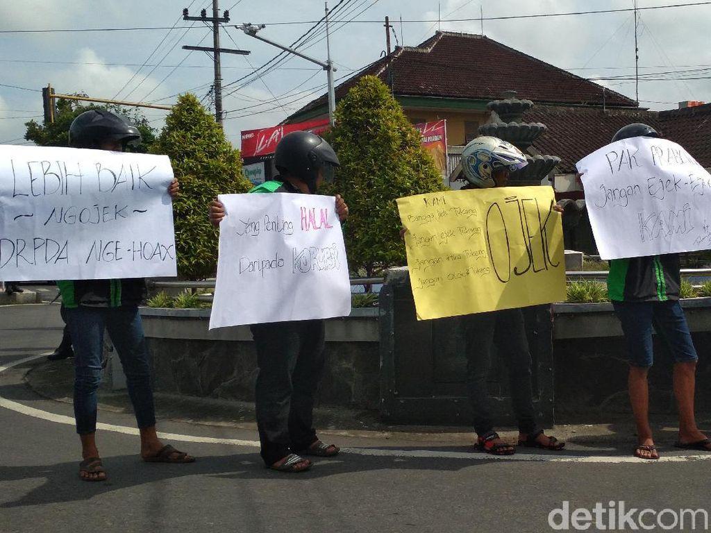Asosiasi Ojol Blitar Ngaku Tak Ikut Demo, Lalu Siapa Massa Itu?